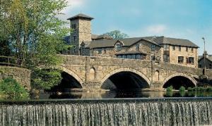 Stramongate Bridge and weir