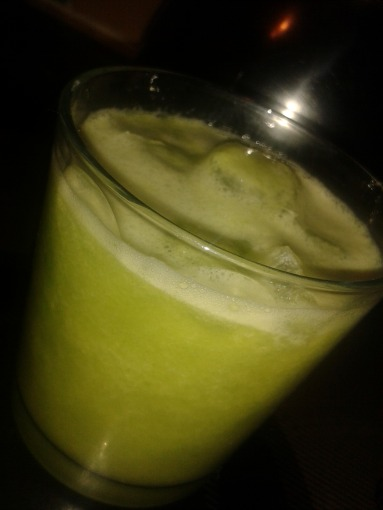 pear ginger and broccoli juice 1